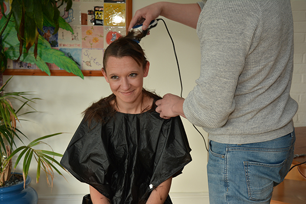 samantha-ginn-finishing-touches-of-head-shave
